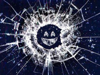 Logo de Black Mirror, um vidro quebrado com um emoji sorridente no meio.