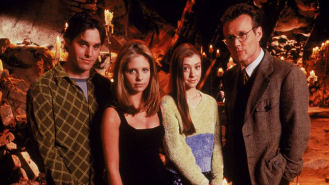 Da esquerda para Direita, Xander, Buffy, Willow e Giles.