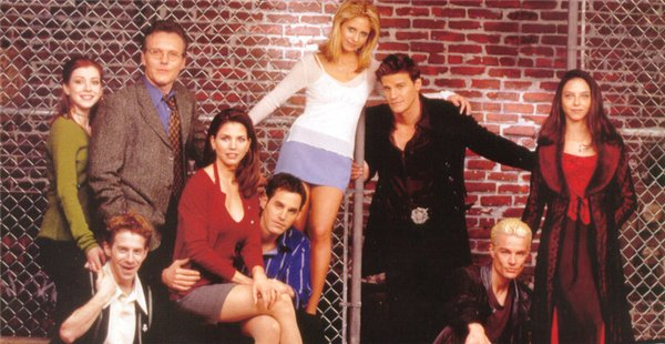Willow, Oz, Giles, Cordelia, Xander, Buffy, Angel, Spike e Drusilla